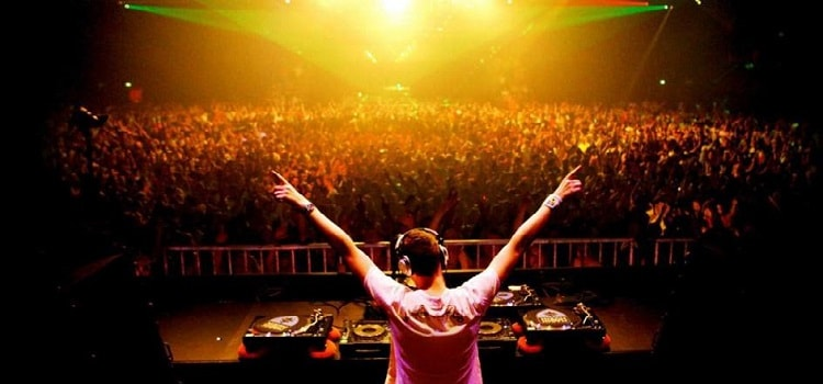 Top 10 DJs In India That Will Make You Sway To Their Beats