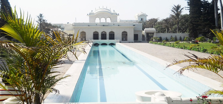 The Beauty of The Mughal Gardens of Pinjore!