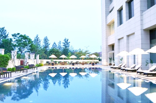 The famous 5 star hotels in chandigarh - Chandigarh hotel with swimming pool ...