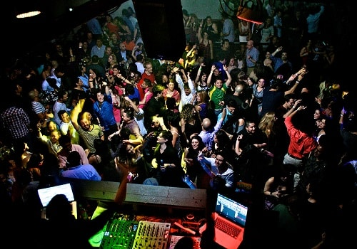 places to party on new year in gurgaon